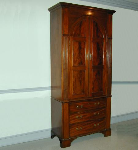 Cabinet on Chest - RDA13686